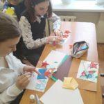Учащиеся 7-х классов ГБОУ гимназии №505 изготовили открытки для ветеранов к Дню Победы